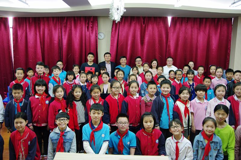 香港著名国际指挥大师张国明参观指导华锐之声合唱团